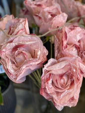 Artifical Pink Roses